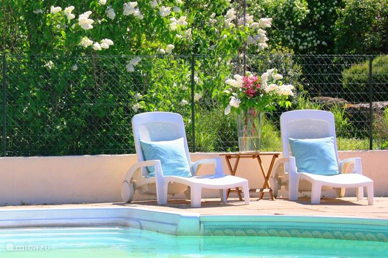 Vacation rental France, Charente, Mazières Holiday house B & B / Family room Le Jardin 2-4 p