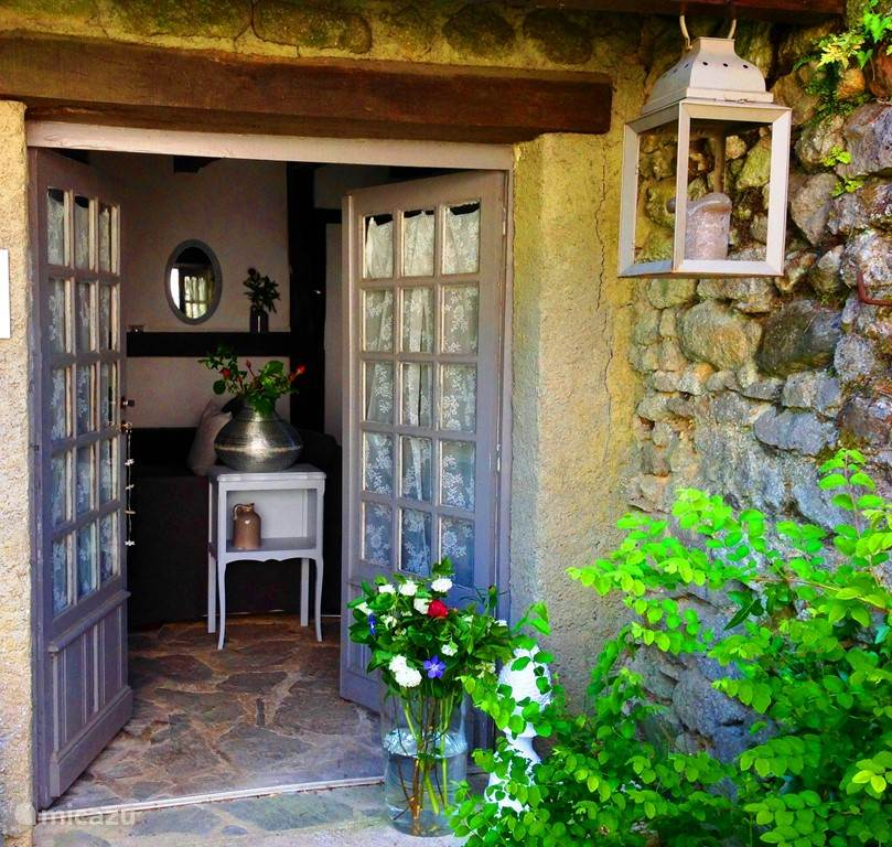 Vacation rental France, Charente – holiday house La Cardabelle