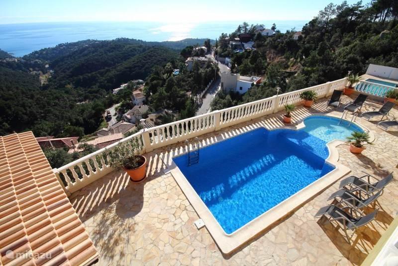 Vakantiehuis Spanje, Costa Brava, Lloret de Mar Villa Prachtige 12-persoons villa Petunia