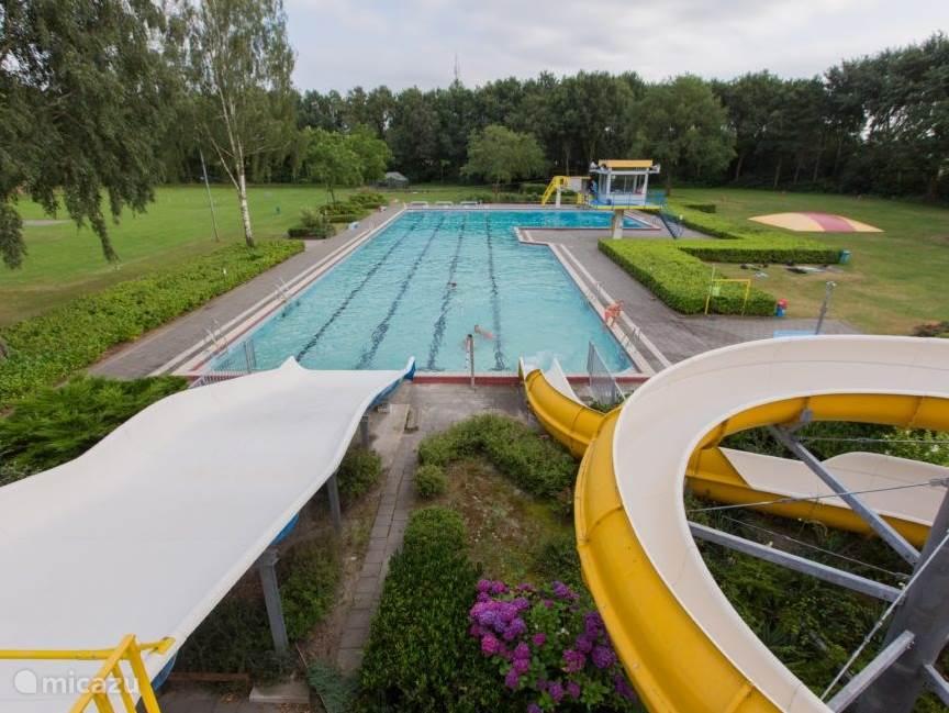 Gratis gebruik zwembad Made