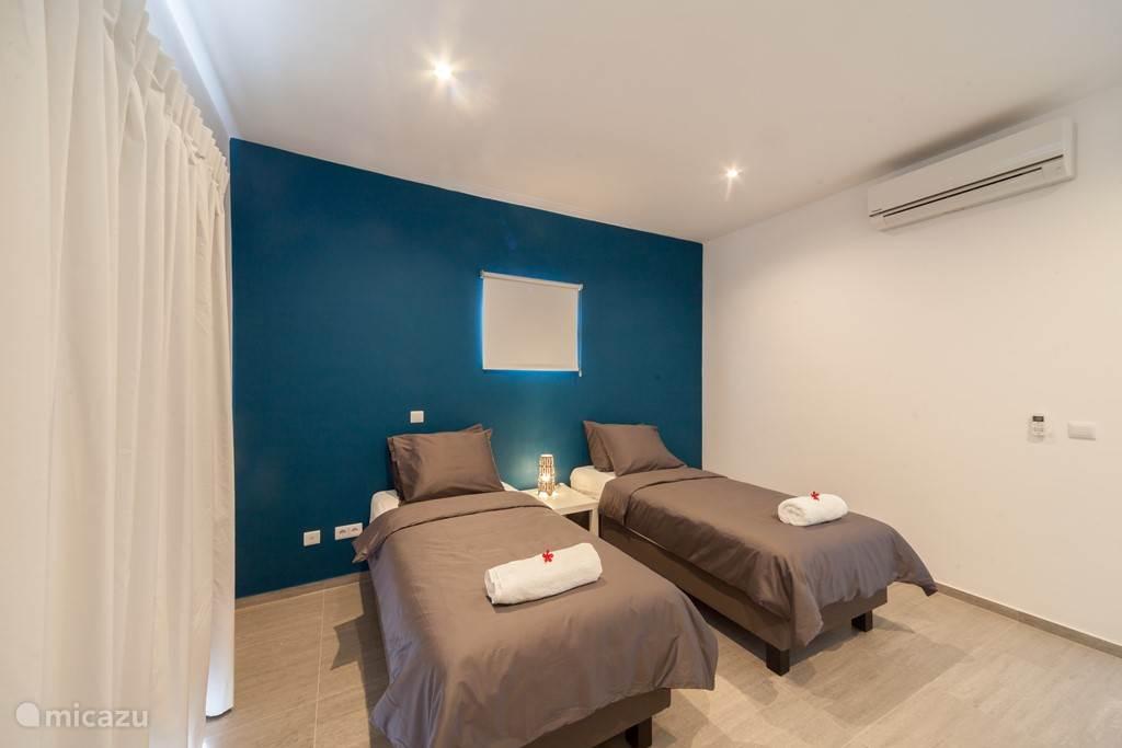 Tweepersoonsbedden of eenpersoonsbedden, we zetten de kamers naar uw wens
