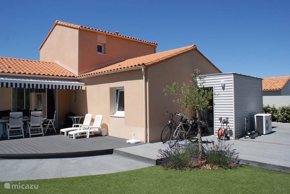 Vacation rental France, Vendee, Château-d'Olonne Villa 8 p detached villa pool