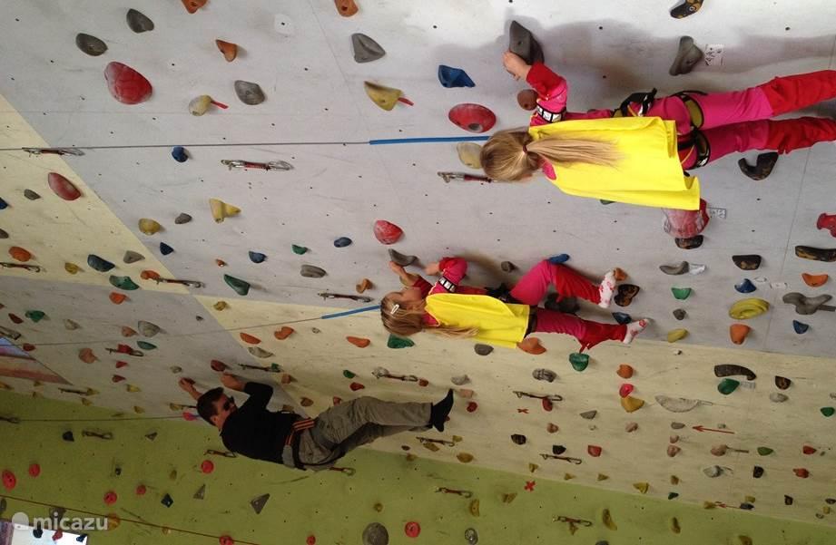 Family climbing in Pillerseetal