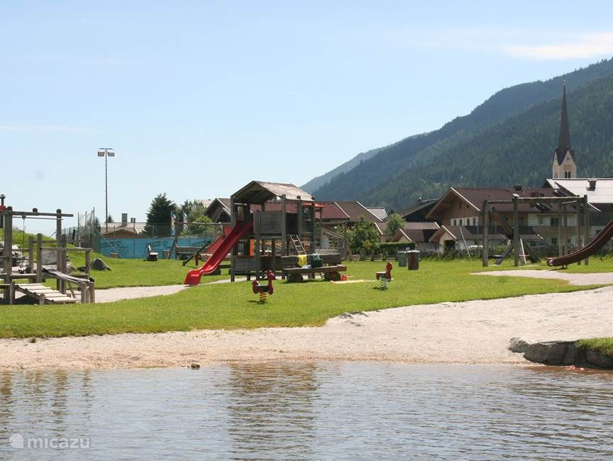 1.5 km from the house Hollerbach bathing lake with playground and play equipment