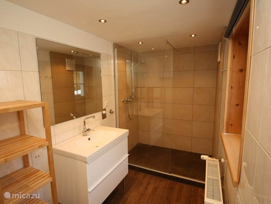 1 bathroom ground floor