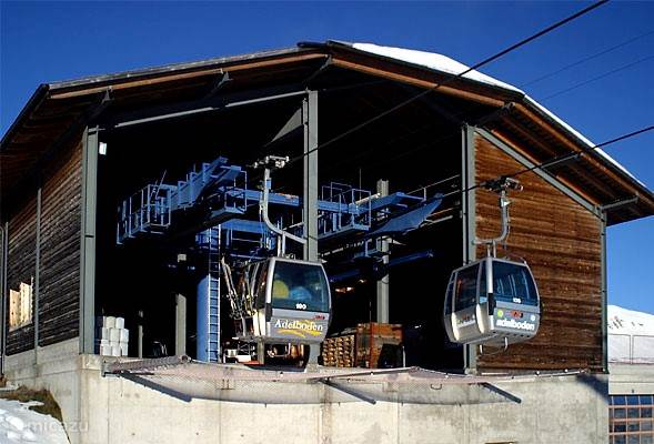 Een modern en uitgestrekt skigebied van meer dan 200km pistes tot een hoogte van 2500 meter