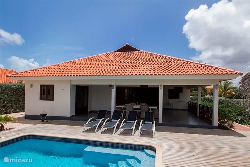 Vacation rental Curacao, Banda Ariba (East), Villapark Flamboyan villa Nos Destino