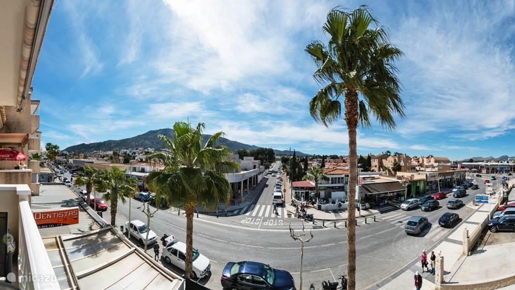Panorama uitzicht van het balkon.