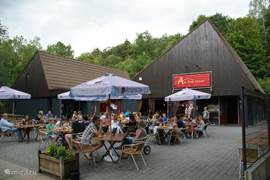 Restaurant met gezellig terras