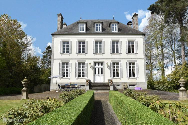 Vacation rental France, Normandy, Saint-Germain-de-Tallevende - manor / castle La Tessonnière