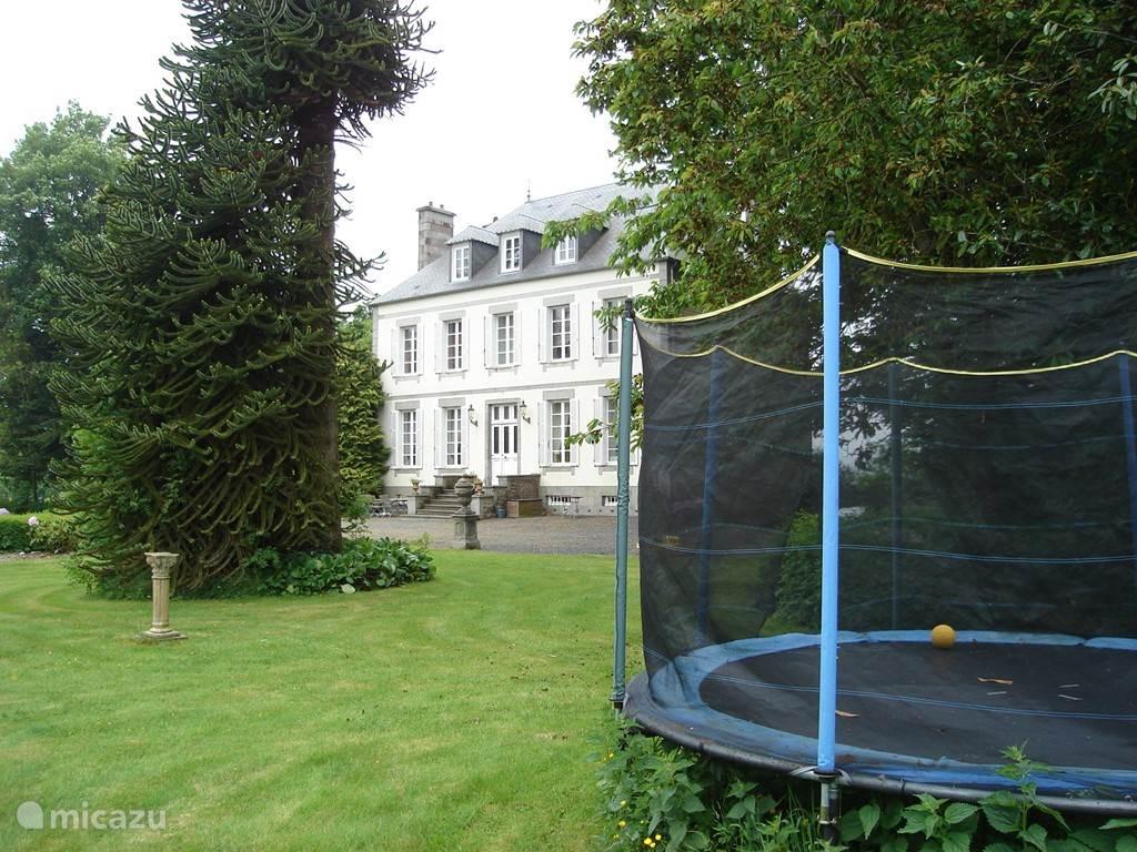 Challenging trampoline