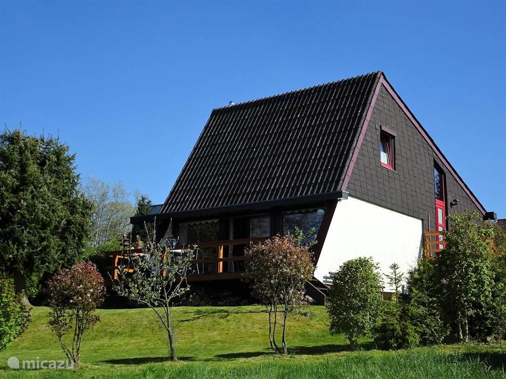 Huis vanuit tuin
