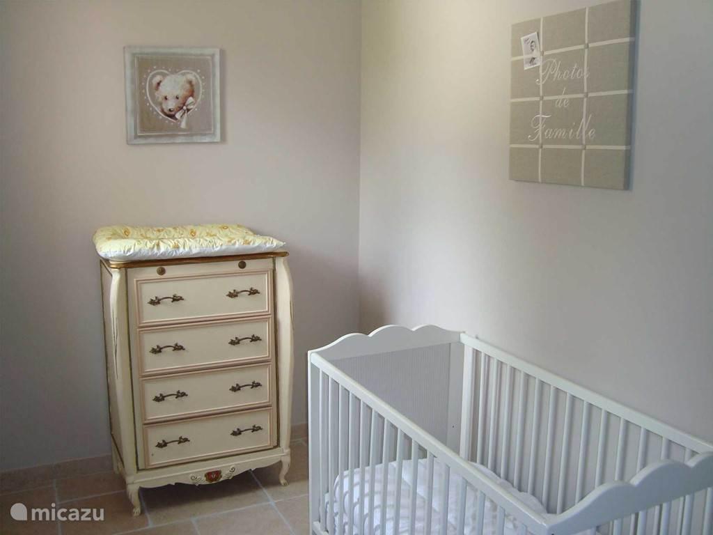 Babyhoek in de buurt van de hoofdslaapkamer