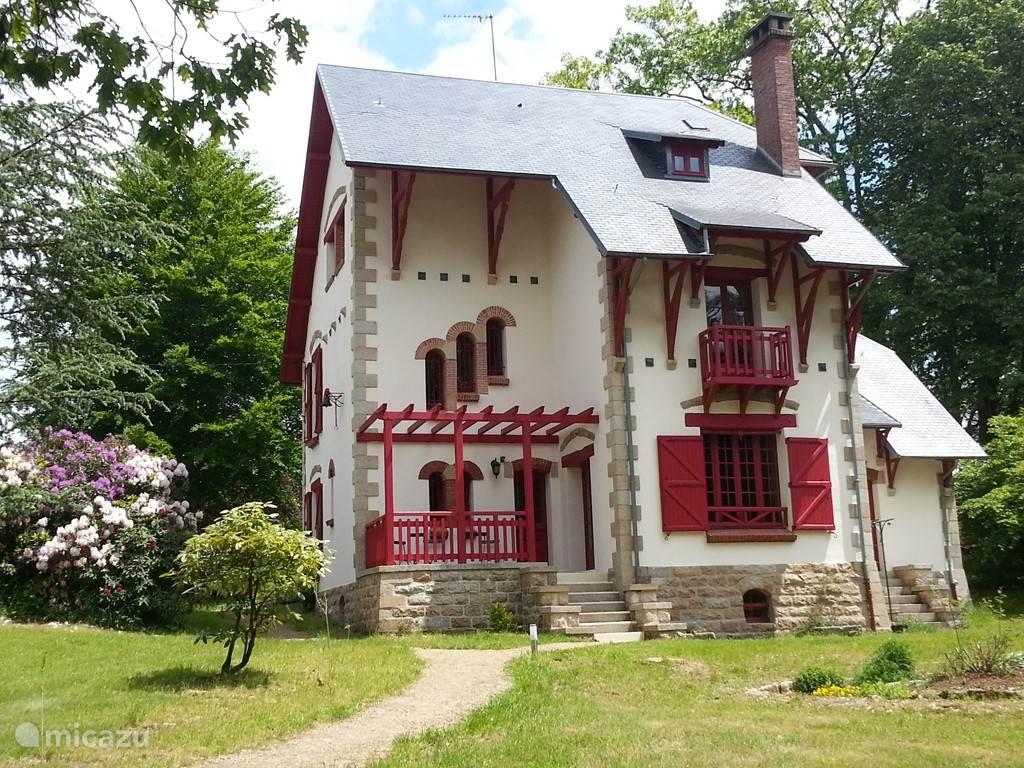 Vakantiehuis Frankrijk, Limousin, Royère-de-Vassivière Villa Villa 'Les Charmilles'
