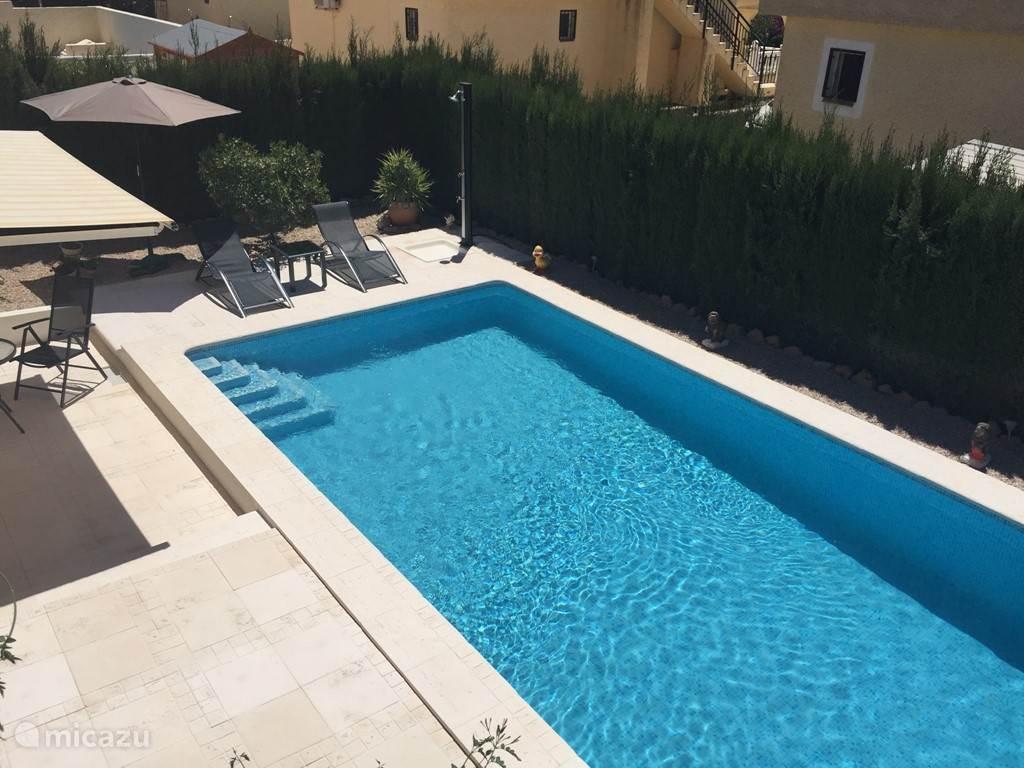 Zwembad vanuit het dakterras