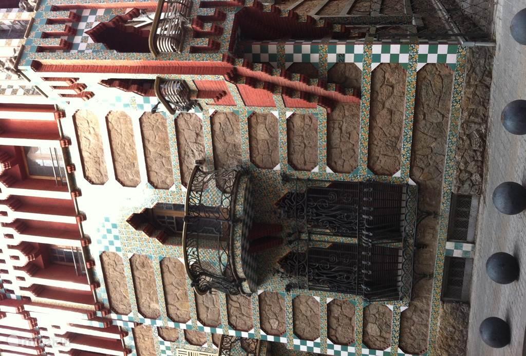 casa Vicens van Gaudi om de hoek!!