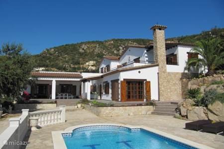 Rent a holiday house villa mas ros in platja daro costa - Casas de ensueno ...