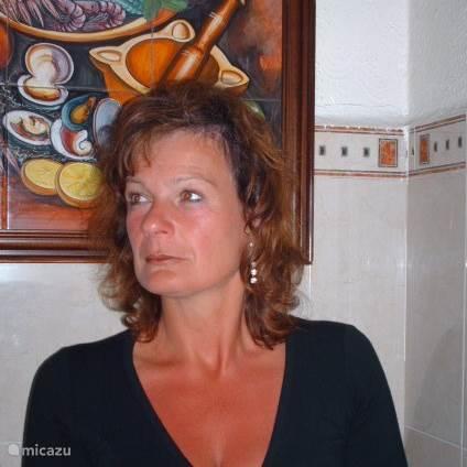 Carla Roos
