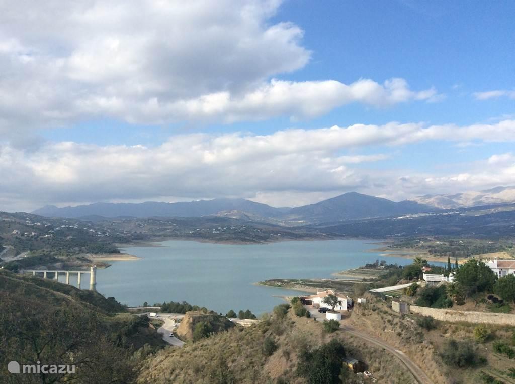Het stuwmeer van Viñuela