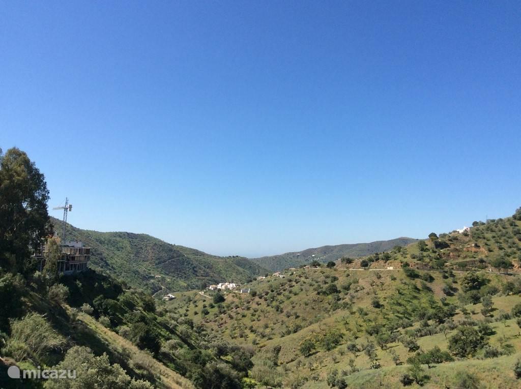 Mooi uitzichten vanaf het appartement en het dorp. Hier kunt u heerlijk wandelen.