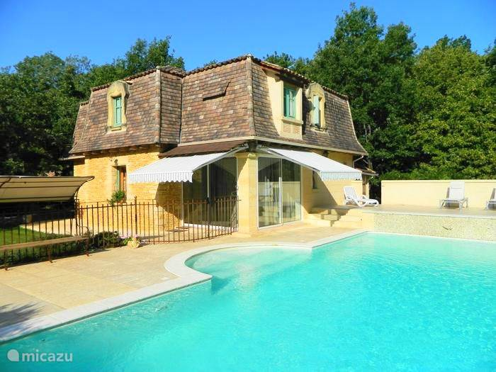Vacation rental France, Dordogne, Carlux holiday house Denise