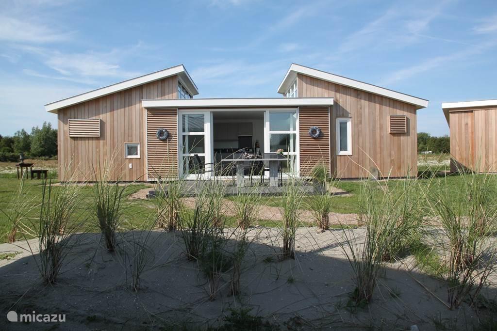Het park ligt aan de Kraaijensteinweg-Haaijmanweg te Burgh-Haamstede aan het begin van de Oosterschelde kering en op ongeveer 1,5 km.van het strand van Westerschouwen.