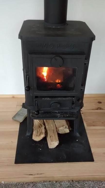 hout kachel voor de kille avonden in de herfst en winter