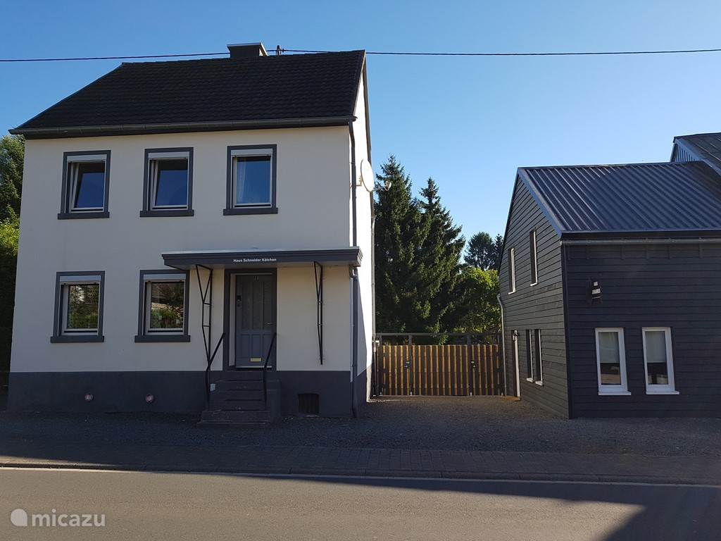 House renovated and newly Haus Johannes rechts. Alles under the Dorfserneuerung.