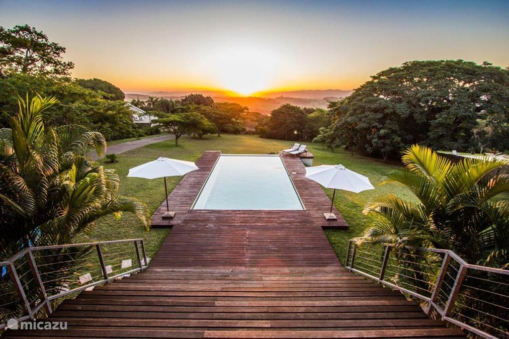 Ongoye View Residence - Mtunzini Uitzicht tuin en Ongoye Hills