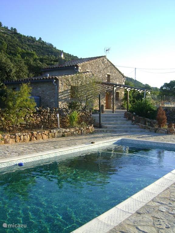 Ziehier het huis, in combinatie met ons zwembad