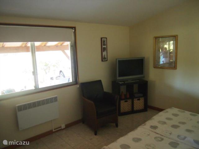 Ouderslaapkamer. 5 bij 4 meter.