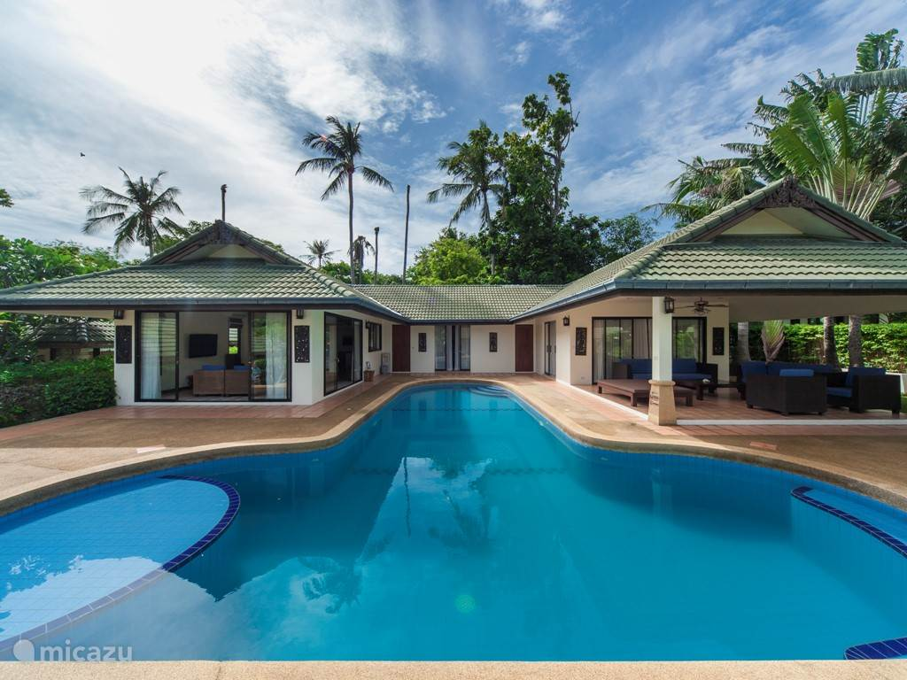 grand villa in beach resort in koh samui ko samui huren. Black Bedroom Furniture Sets. Home Design Ideas