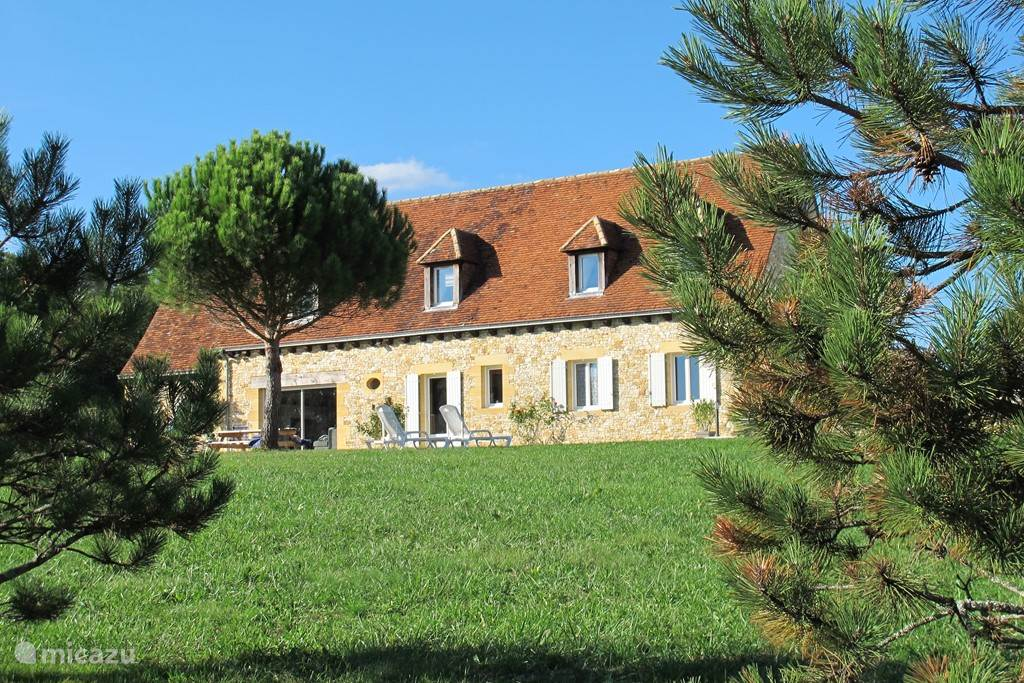 Vacation rental France, Dordogne, Les Farges holiday house Belle Vue