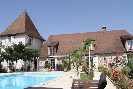 Vacation rental France, Dordogne, Lacropte holiday house Tronquiere