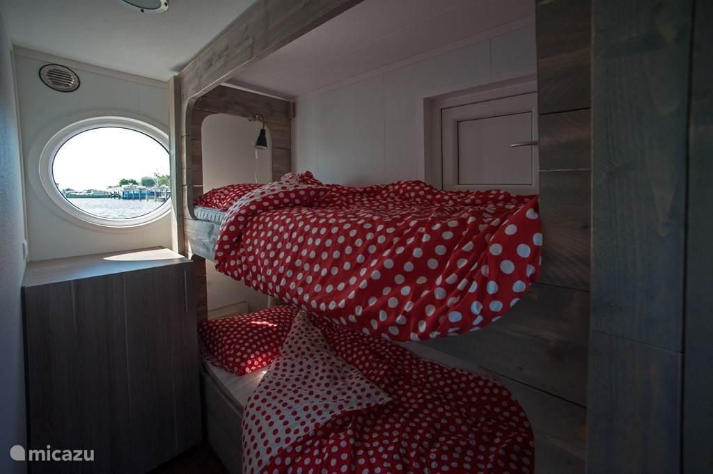 2e slaapkamer met gezellig stapelbed