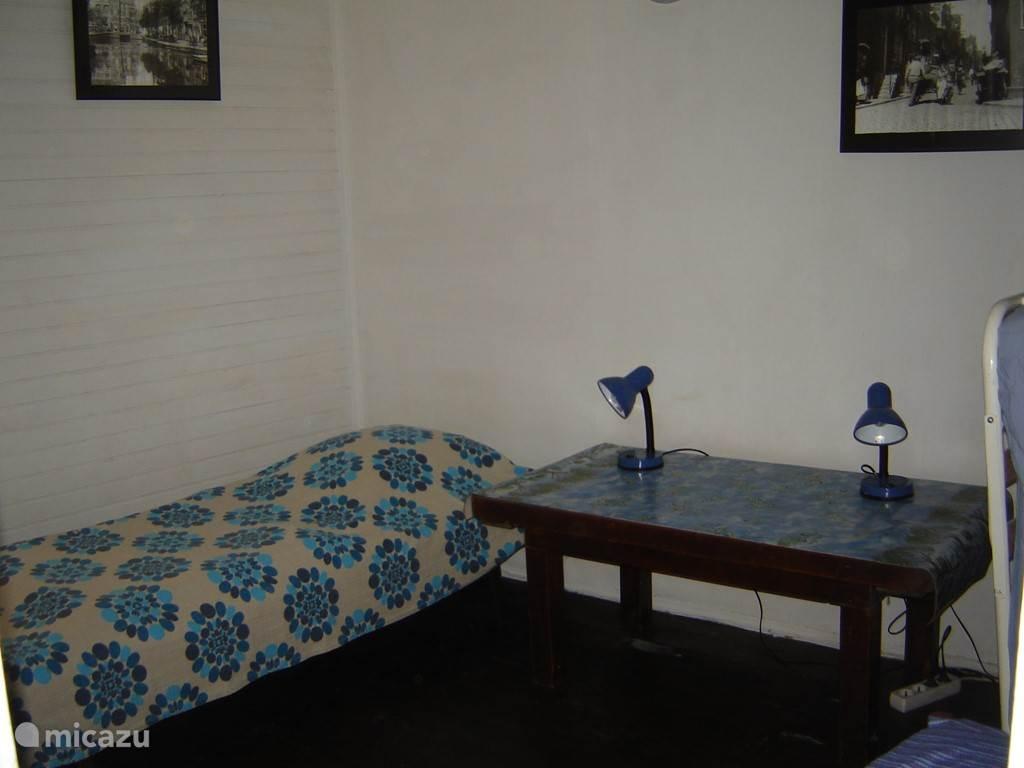 Slaapkamer 2de verdieping 1 bed 90 x 200 + 1 opklapbed 90 x 200