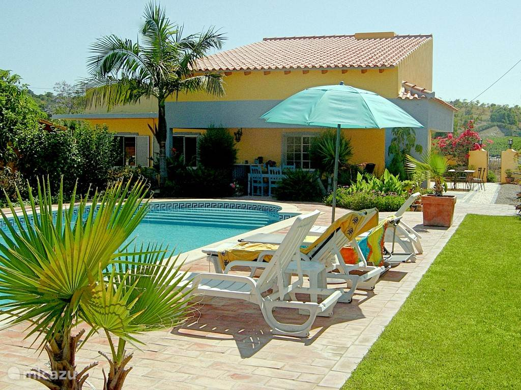 Vacation rental Portugal, Algarve, Moncarapacho Holiday house Casa Jacaranda