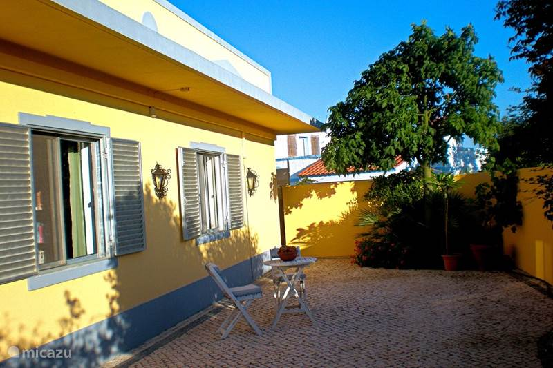 ferienhaus casa jacaranda in moncarapacho algarve portugal mieten micazu. Black Bedroom Furniture Sets. Home Design Ideas