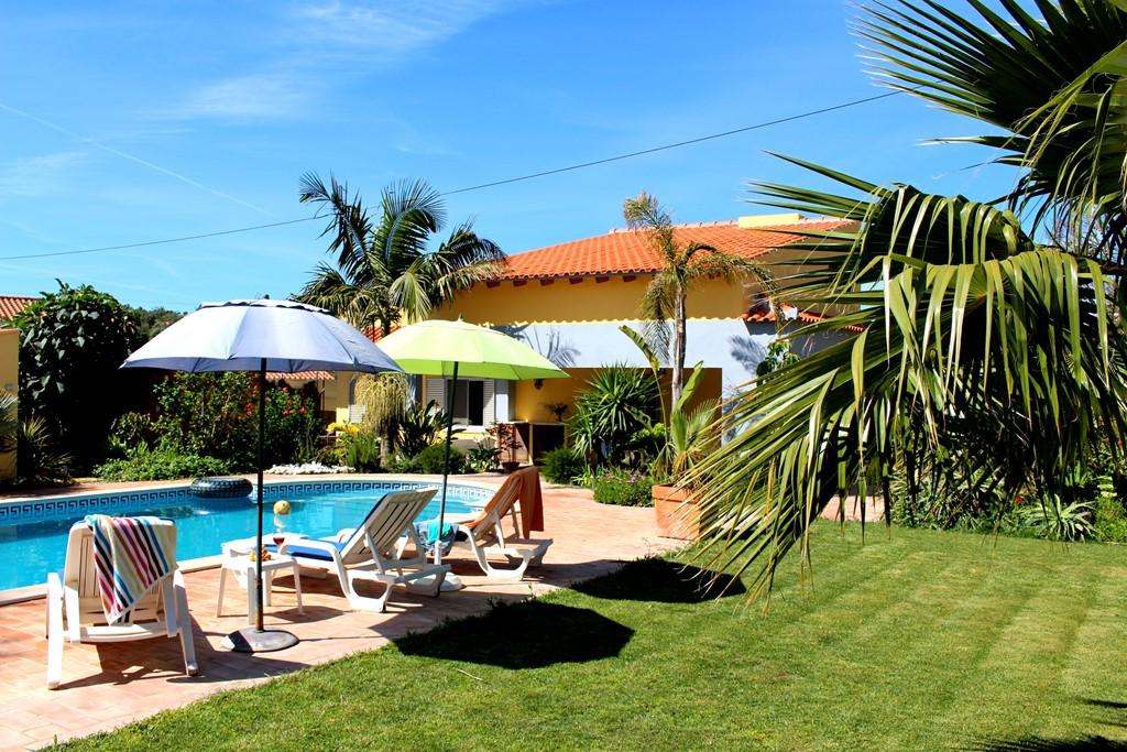 Zin in een weekje rust en zon. Casa Jacaranda is deze zomervakantie nog een week beschikbaar in de periode van 27 augustus tot 3 september.