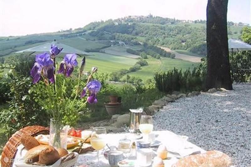 Vakantiehuis Italië, Marche, San Lorenzo In Campo Bed & Breakfast B&B Lucertola. Appartement Claudia