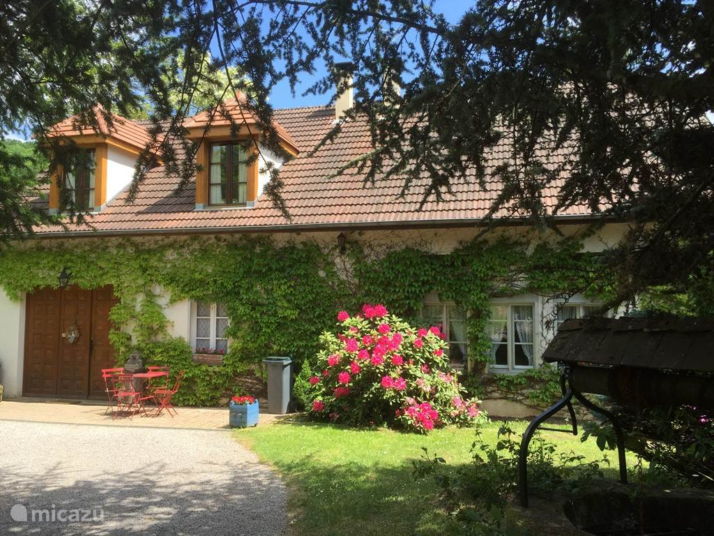 Vacation rental France, Burgundy, Villeneuve (Voudenay)  gîte / cottage Relais de Chasse