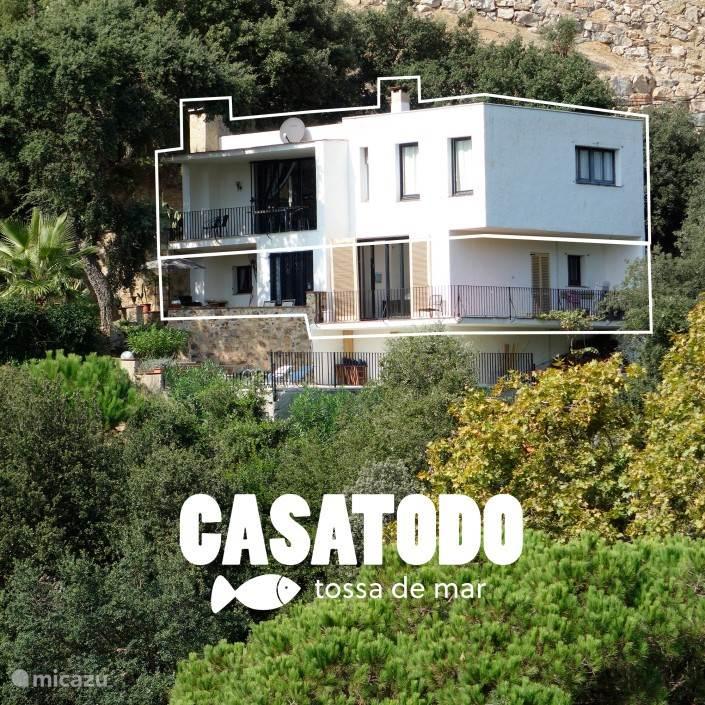 Casatodo, vakantiehuis voor 10 personen met zwembad aan zee!