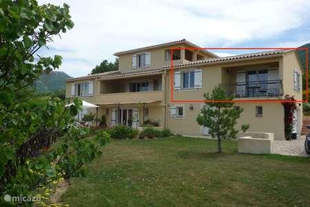 Vakantiehuis Frankrijk, Drôme, Montbrun-les-Bains - appartement Appartement met zicht op MontVentoux