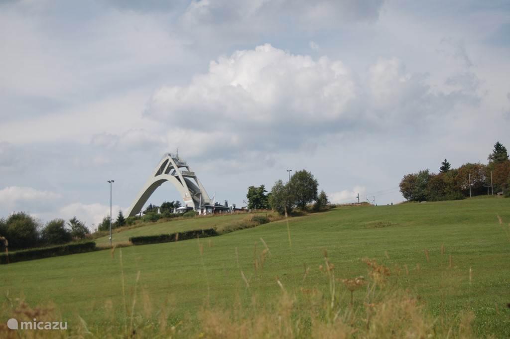 Het boegbeeld van Winterberg bij de Herrlohberg. Fantastische wandelomgeving en mooi uitzichtpunt