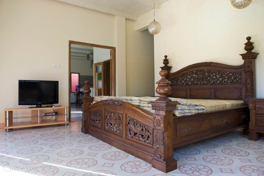 Diamond villa: ruime masterbedroom met super kingsize bed
