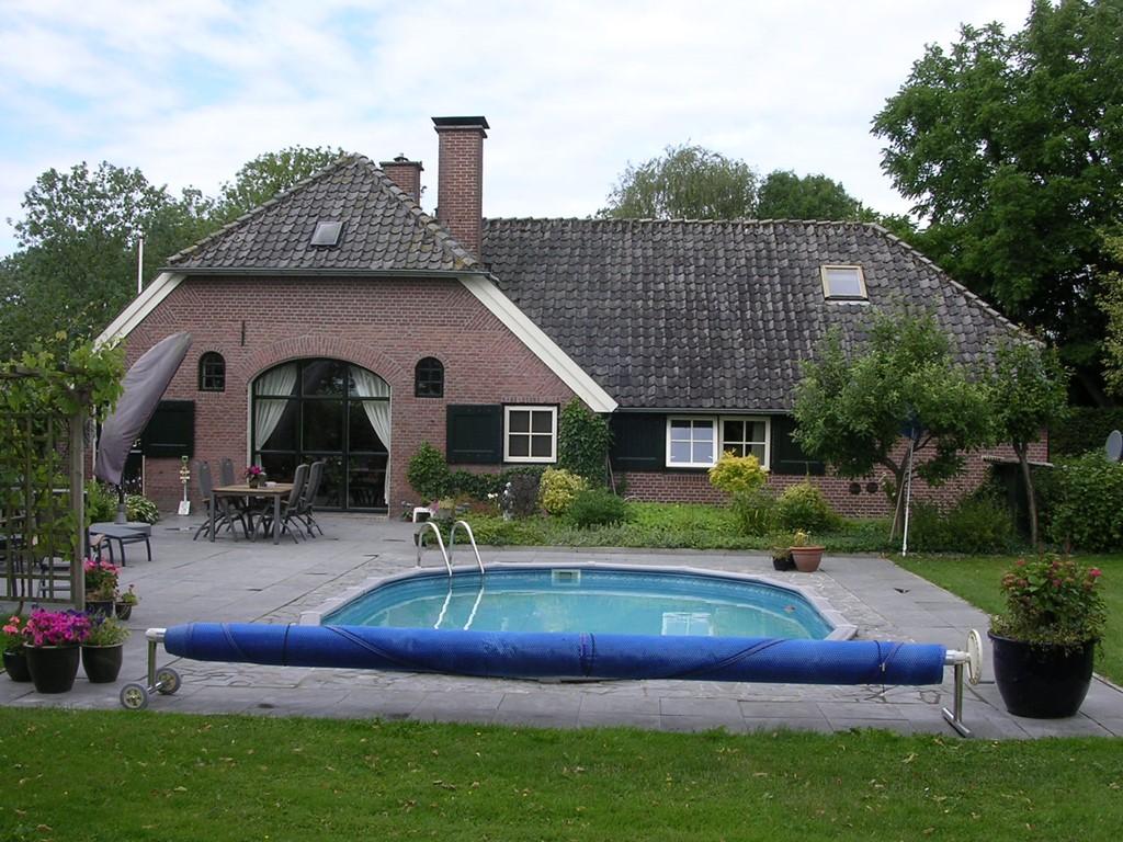 Deze prachtige Woonboerderij met verwarmd Zwembad is nog 14 dagen beschikbaar enwel van zat. 19 aug. t/m zat. 2 sept. 1 wk. € 950,- 2 wkn. € 1.800,-