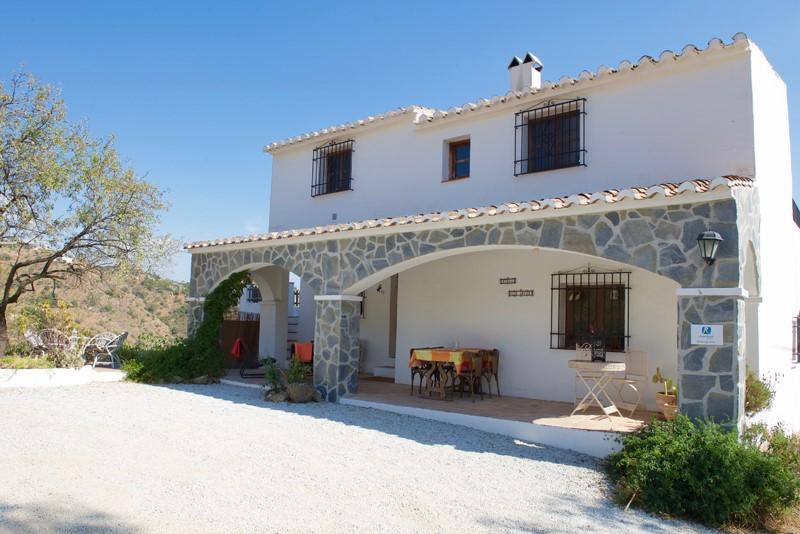 Heel de maand februari geven wij een last minute korting van 20% op ons gezellige huis zodat u kunt genieten van de mooie winterperiode in Andalusië!