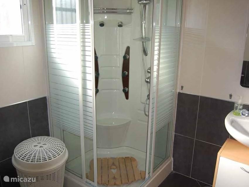badkamer gasten verblijf