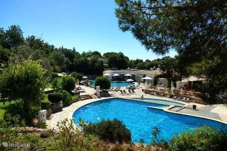 Vakantiehuis Portugal, Algarve, Carvoeiro – bungalow Casa la Vie en Rose