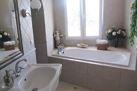 Villa villa lysabetha in rogoznica dalmati kroati huren - Eilandjes bad ...